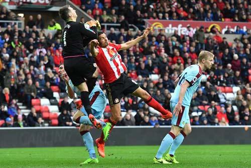 Sunderland - Burnley: Đôi công không ngừng nghỉ - 1