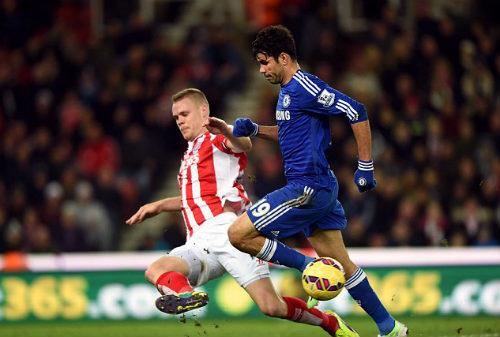 """Góc chiến thuật Stoke City – Chelsea: Trả giá vì """"mưu hèn kế bẩn"""" - 1"""