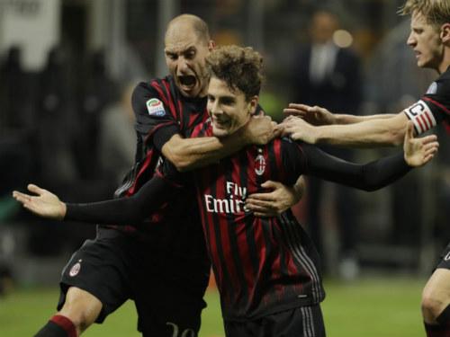 """AC Milan - Genoa: Gục ngã trước """"nhát kiếm"""" chí tử - 1"""