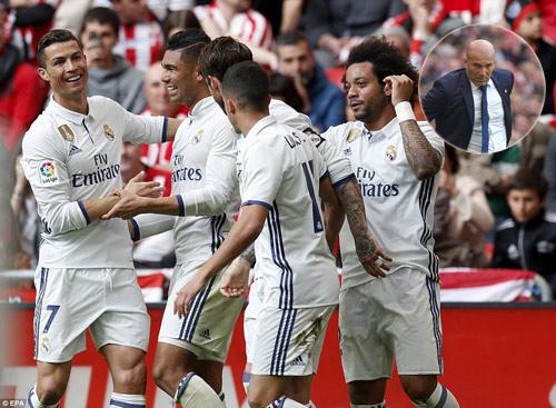 Real hơn Barca 5 điểm, Zidane e dè mơ vô địch Liga - 1
