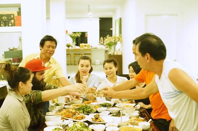 """ĐD """"Kong"""" ăn tối với Hà Hồ sau khi lộ ảnh hẹn hò Vân Ngô - 5"""