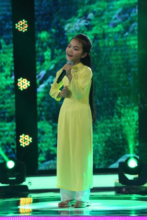 Cô bé 13 tuổi hát dân ca Hà Tĩnh ngọt như NSND Thu Hiền - 1