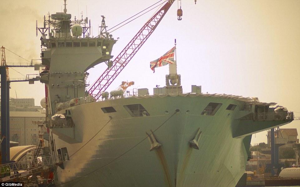 Bên trong chiến hạm lớn nhất nước Anh - 1
