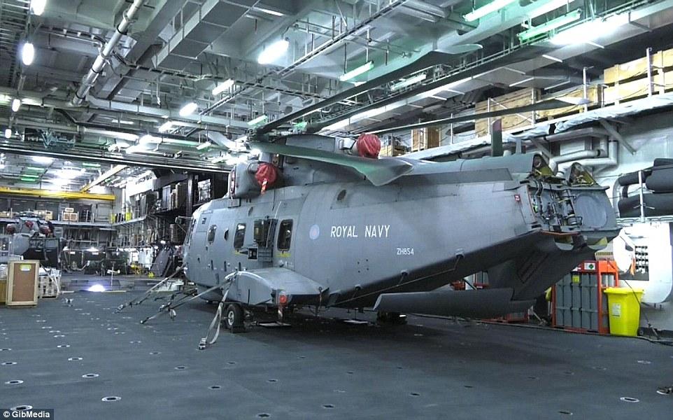 Bên trong chiến hạm lớn nhất nước Anh - 4