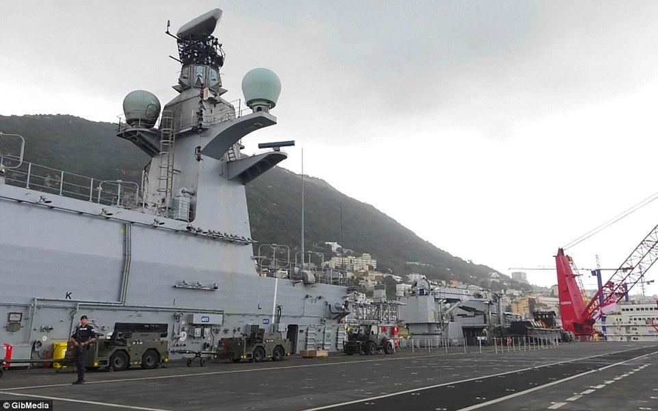 Bên trong chiến hạm lớn nhất nước Anh - 5