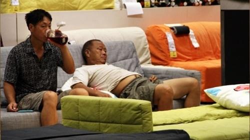 Thích thú công việc chỉ ngủ vẫn kiếm được trăm triệu - 1