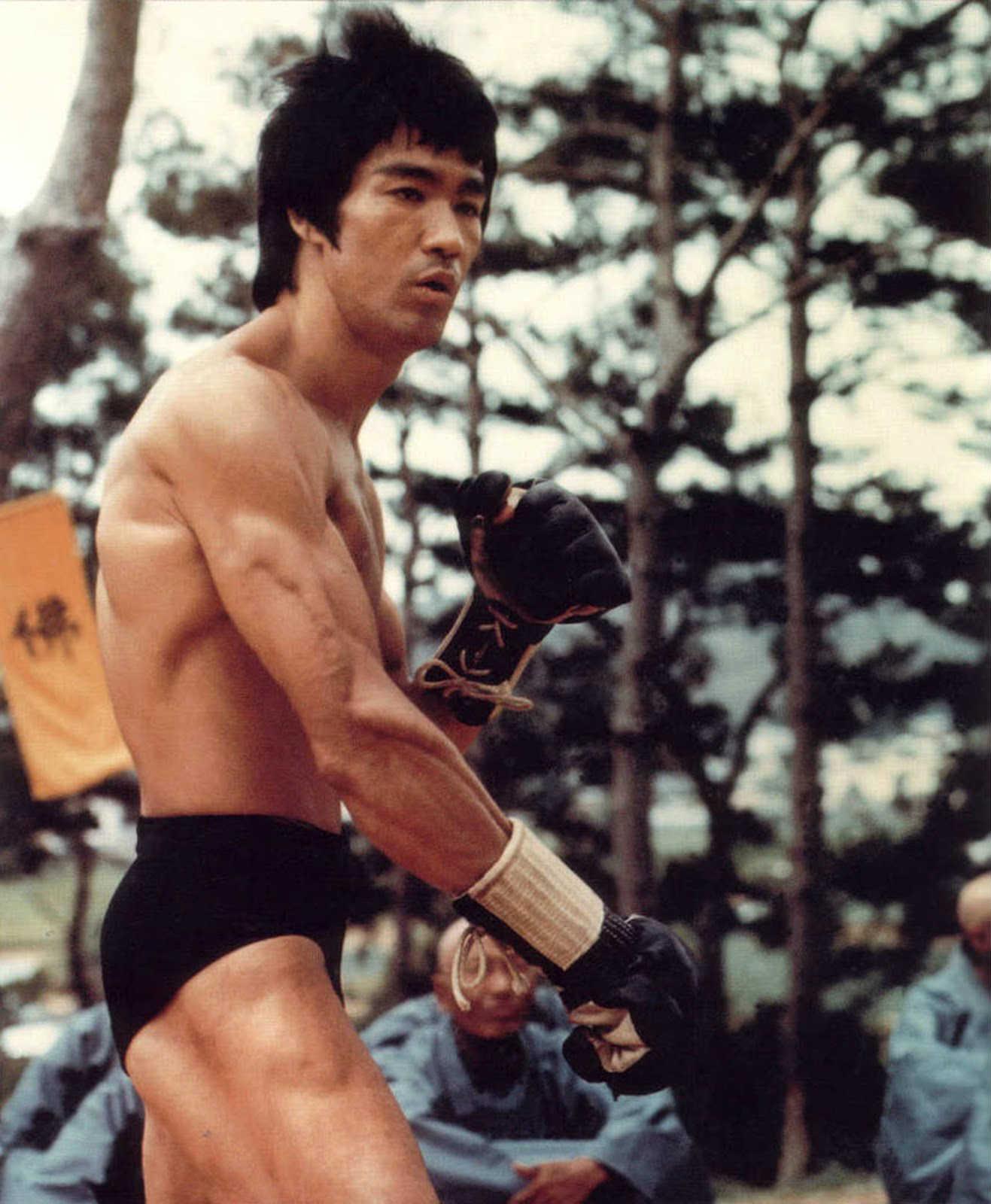 Lý Tiểu Long được fan MMA tôn sùng sau cảnh phim này - 6