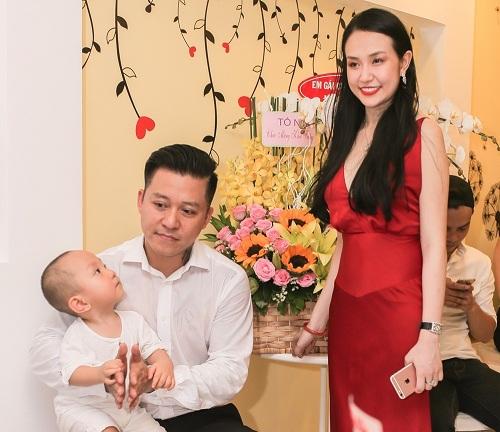 """Hà Tăng, vợ Tuấn Hưng đã sinh con dáng vẫn """"ngon"""" như gái son - 3"""