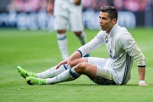 """Real: Ronaldo chửi thề, Zidane lập tức """"nắn gân"""" - 1"""