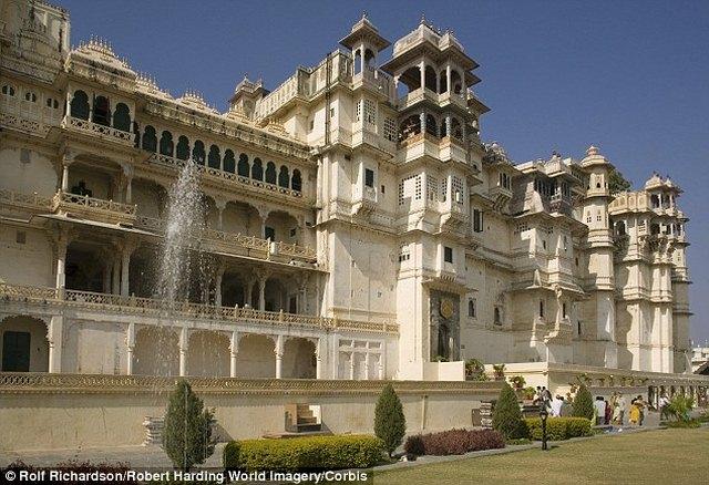 Tỉ phú Ấn Độ chi 420 tỉ làm đám cưới, mời 1,6 vạn khách - 3