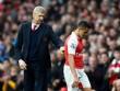 Arsenal khủng hoảng: Xa dần top 4, trò cãi tay bo thầy