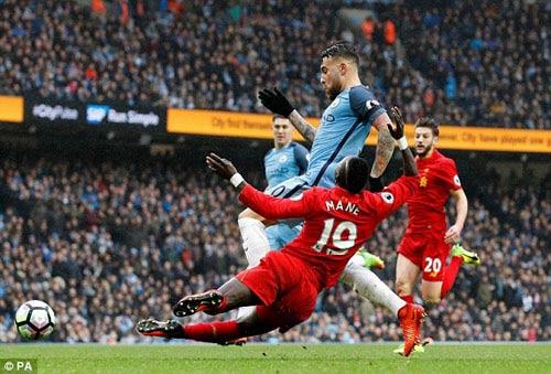 Man City hòa Liverpool: Pep hạnh phúc, Klopp thất vọng - 1