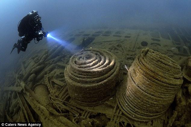 Anh: Trục vớt kho vàng 5,5 tỷ USD trong hàng loạt tàu đắm - 3