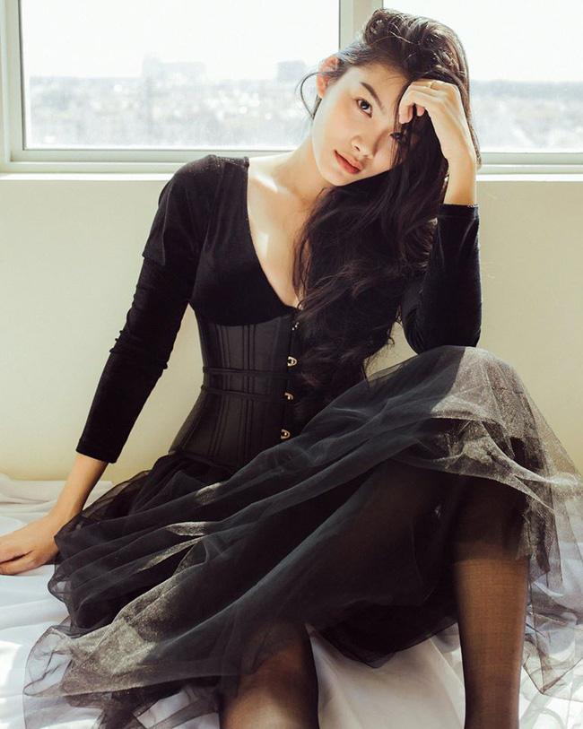 Vẻ mơn mởn tuổi 20 của con gái diễn viên Kiều Trinh - 8