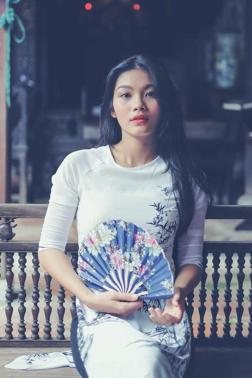 Vẻ mơn mởn tuổi 20 của con gái diễn viên Kiều Trinh - 9