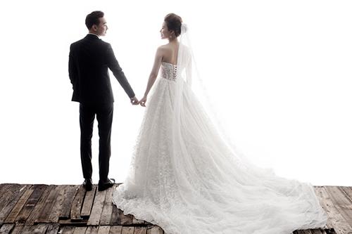 """Màn cầu hôn """"lạ lùng"""" của MC Thành Trung với vợ 9x - 6"""