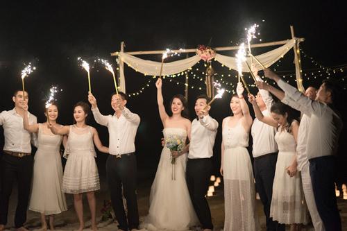 """Màn cầu hôn """"lạ lùng"""" của MC Thành Trung với vợ 9x - 11"""
