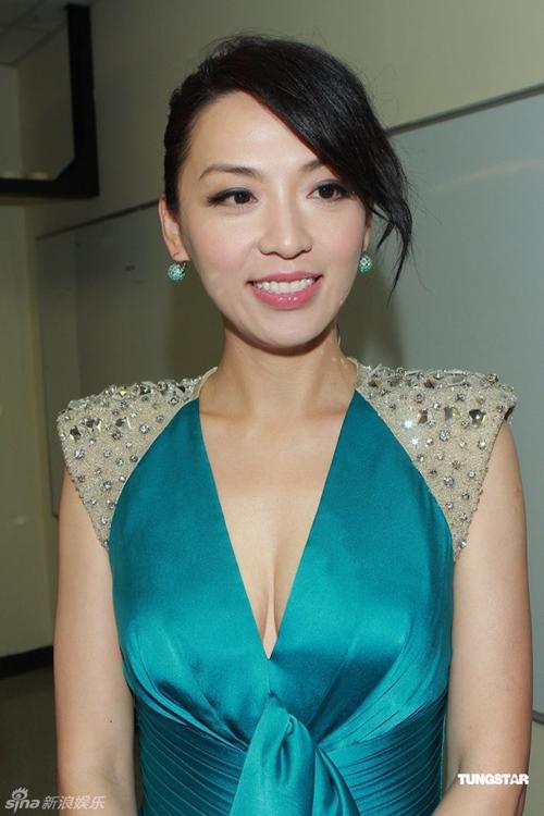 Sốc với cảnh phim trần trụi của sao nữ 43 tuổi Hong Kong - 3