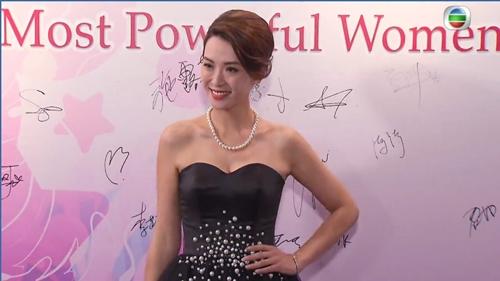 Sốc với cảnh phim trần trụi của sao nữ 43 tuổi Hong Kong - 5