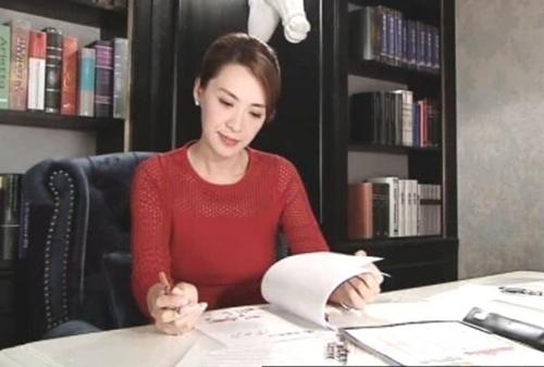 Sốc với cảnh phim trần trụi của sao nữ 43 tuổi Hong Kong - 10