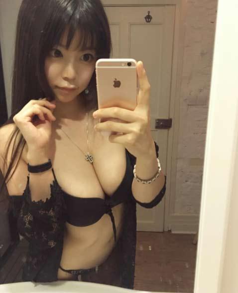 """""""Nóng người"""" xem hot girl Nhật Bản lăn lê giữ dáng - 5"""