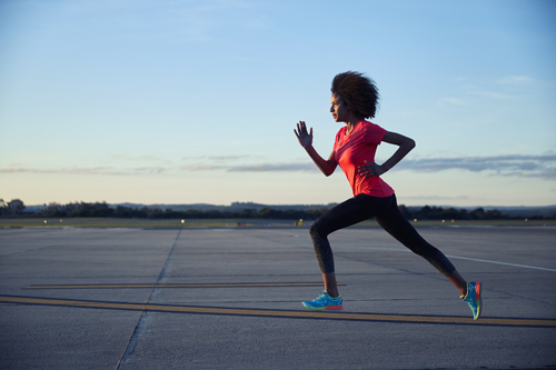 ASICS đưa tốc độ giày chạy lên một tầm cao mới - 1