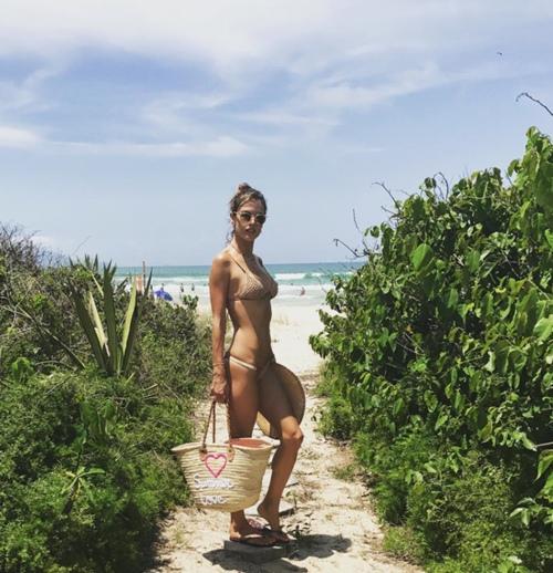Nhìn sao đoán xu hướng bikini hot nhất hè 2017 - 5