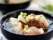Ẩm thực - Bữa cơm gia đình hấp dẫn với canh sườn non bí đao ngọt mát