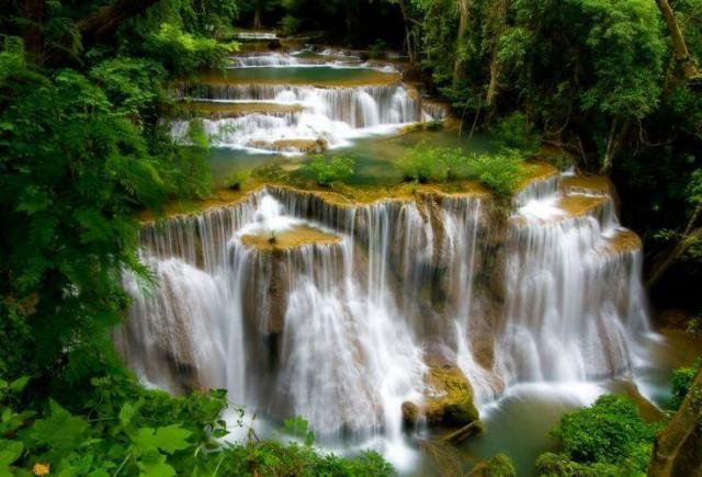 Thái Lan đóng cửa thác nước nổi tiếng vô thời hạn - 1