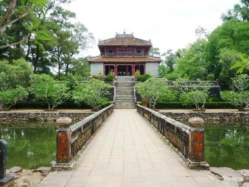 Những điểm du lịch đẹp nhất xứ Huế - 3