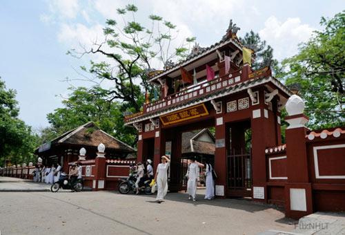 Những điểm du lịch đẹp nhất xứ Huế - 7