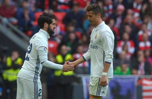 """Zidane """"đe"""" Ronaldo: Quyền lực tối thượng của """"gã hói"""" - 2"""