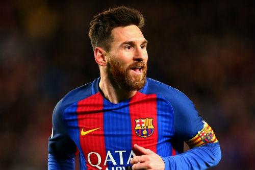 Ronaldo sa sút thảm hại, Messi lại có siêu kỷ lục - 1