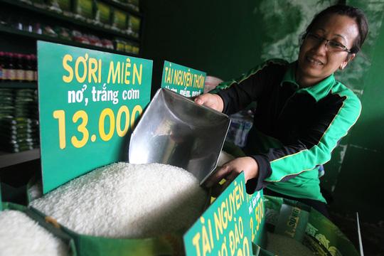 Gạo, gà từ Campuchia có đáng lo? - 1