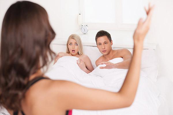 Vì sao người có ngoại hình đẹp thường dễ ngoại tình? - 1