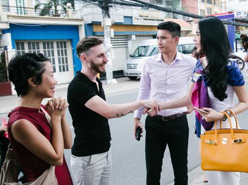 Cuộc sống vợ chồng Thuỷ Tiên lên truyền hình quốc tế - 8