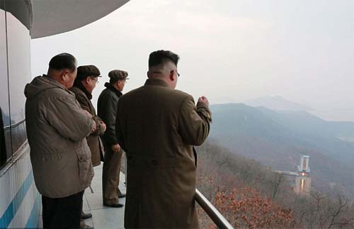Triều Tiên dọa san phẳng Mỹ nếu dám bắn chỉ 1 viên đạn - 2