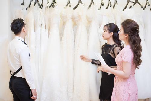 Hé lộ váy cưới cầu kỳ giá trăm triệu của vợ MC Thành Trung - 10