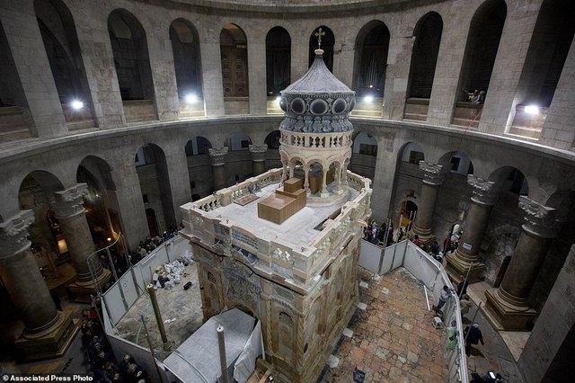Lần đầu mở hầm mộ chôn cất Chúa Jesus cho khách vào thăm - 1