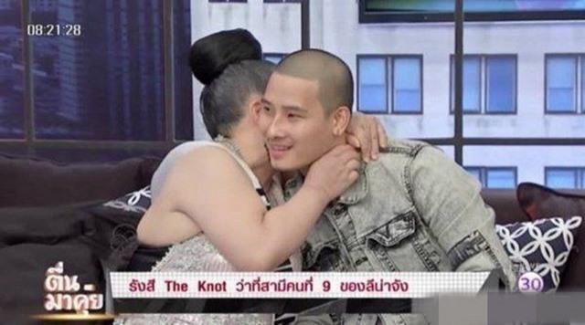 Nữ triệu phú Thái Lan lọc 6 vạn đàn ông lấy 1 người sinh lý khoẻ làm chồng - 2