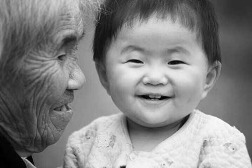Lở loét da hoại tử của bà nội nằm liệt: Cháu đích tôn chữa lành ra sao? - 1