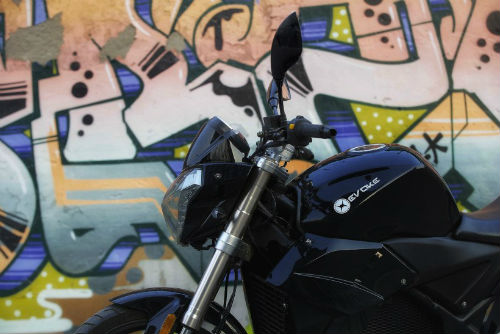 Mổ xẻ môtô điện do nhà sản xuất iPhone làm - 2