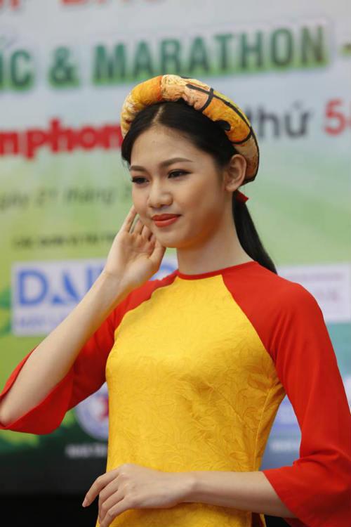 Hoa hậu Ngọc Hân tranh tài giải Việt dã toàn quốc - 8