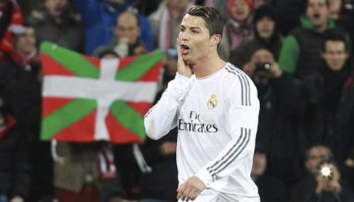 Ronaldo sa sút, Messi thăng hoa: Quả bóng vàng đã có chủ - 1