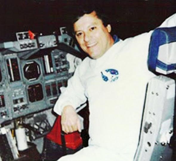 """Phi hành gia NASA nhìn thấy """"xác chết người ngoài hành tinh""""? - 2"""