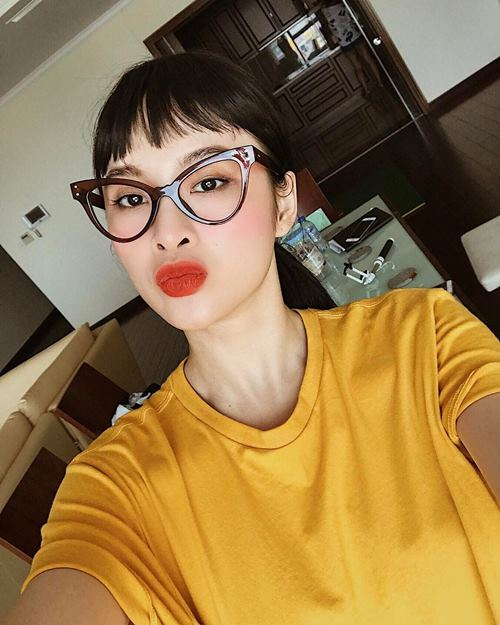 """Angela Phương Trinh lạ lẫm với phong cách """"cô giáo"""" - 6"""
