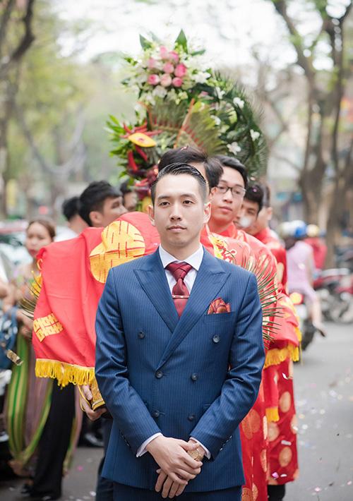 Hot girl MU Tú Linh hôn chồng say đắm trong lễ ăn hỏi - 5