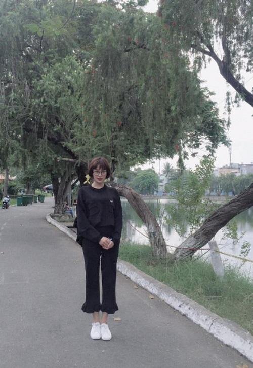 """Hà Hồ, Miu Lê dẫn đầu phong cách """"quần ống chuông"""" - 9"""