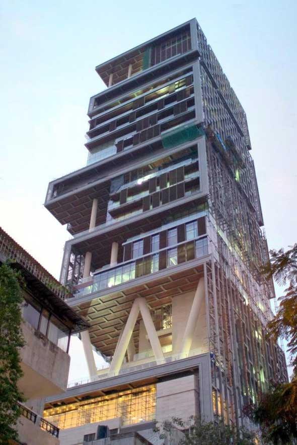Tỉ phú giàu nhất Ấn Độ đổ 17.000 tỉ xây nhà xa hoa hết cỡ - 2