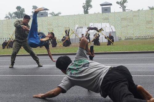 Những tuyệt kỹ võ thuật của đặc công Việt Nam - 11
